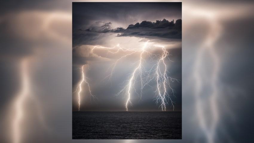 09-12-2017-lightning-strike-redondo-beach-1