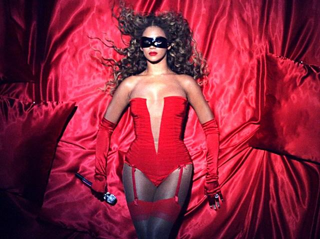 110509 Beyonce MTV Europe Awards