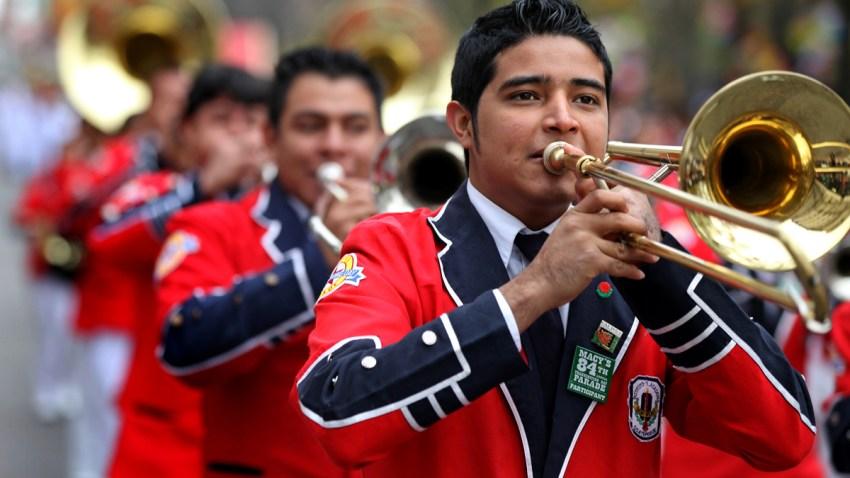 12-25-2015-pedro-molina-band-rose-parade-AP_558047716104