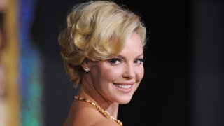 """In this Dec. 5, 2011, file photo, actress Katherine Heigl arrives at the premiere of Warner Bros. Pictures' """"New Year's Eve"""" at Grauman's Chinese Theatre in Hollywood, California."""