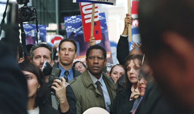 2004_the_manchurian_candidate_001