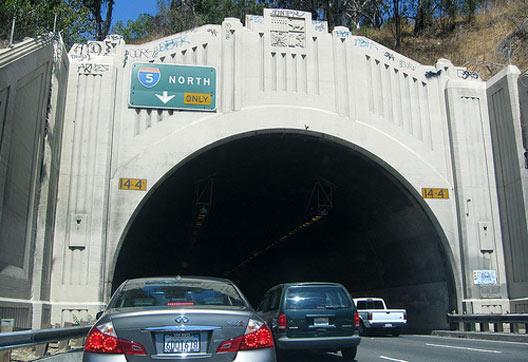 [CURBL] 2008-09-tunnel.jpg