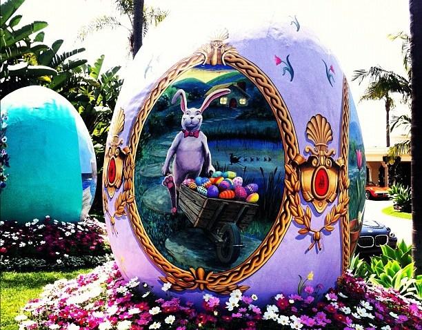 [socalgram] #socalgram giant Easter eggs at the Ritz in Laguna :)