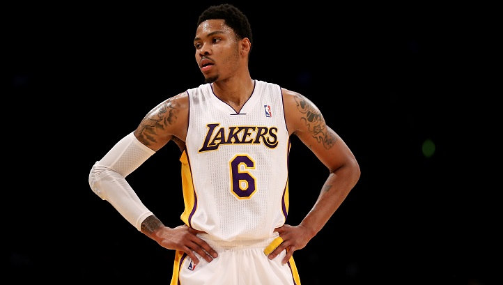 Lakers_Clippers_Bazemore_injury_79252025