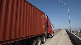 82711547DM022_Truckers_Go_T
