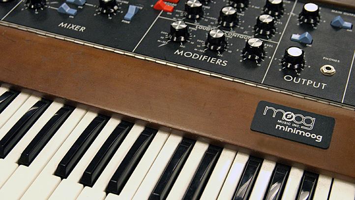 MiniMoog Google doodle Bob Moog synthesizer