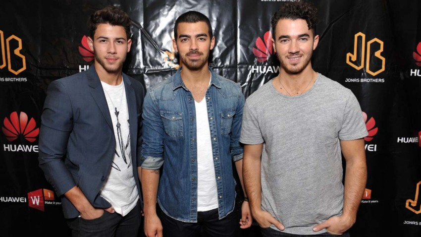 Huawei Device Presents Jonas Brothers Meet-and-Greet
