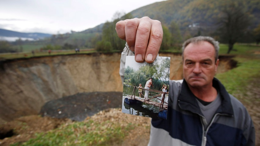 Bosnia-Pond Vanishes