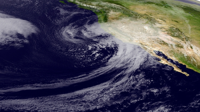 Powerful Storm Moves Into California