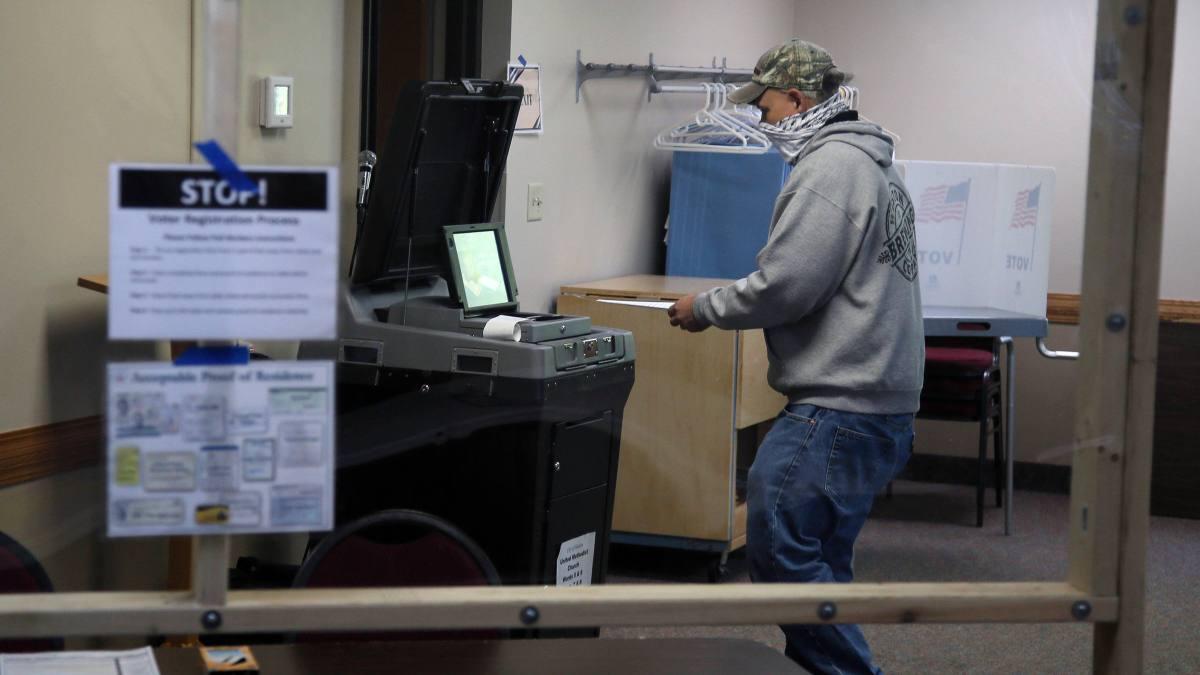 Court Upholds Wisconsin Ballot Extension, Hands Dems a Win 1
