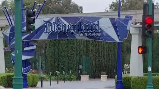 Anaheim_City_Council_to_Vote_on_Disneyland_Wage_Hik