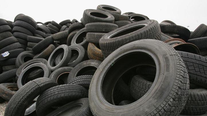 Car-Tire-Spare-73571720