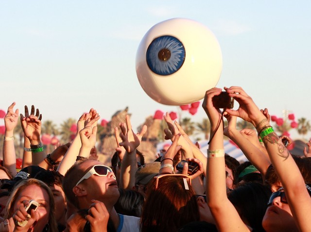 CoachellaEyeball_86042859