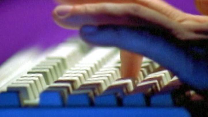 Fingers_Keyboard_Generic_Internet_Safety_02