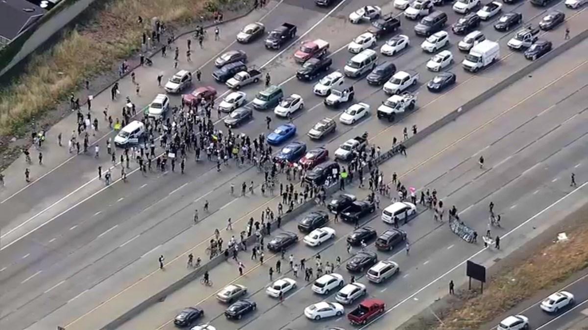 Demonstrators Protesting George Floyd S Death Block Lanes On San Jose Highway Nbc Los Angeles