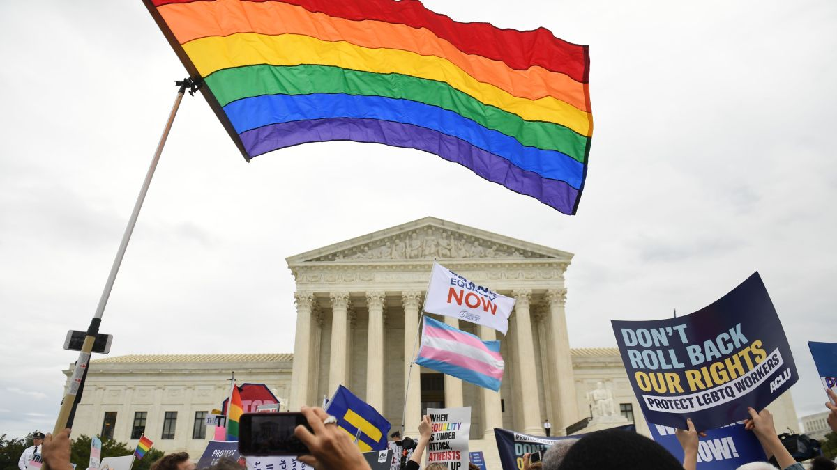 Supreme Court Rules LGBTQ People Protected From Job Discrimination 1