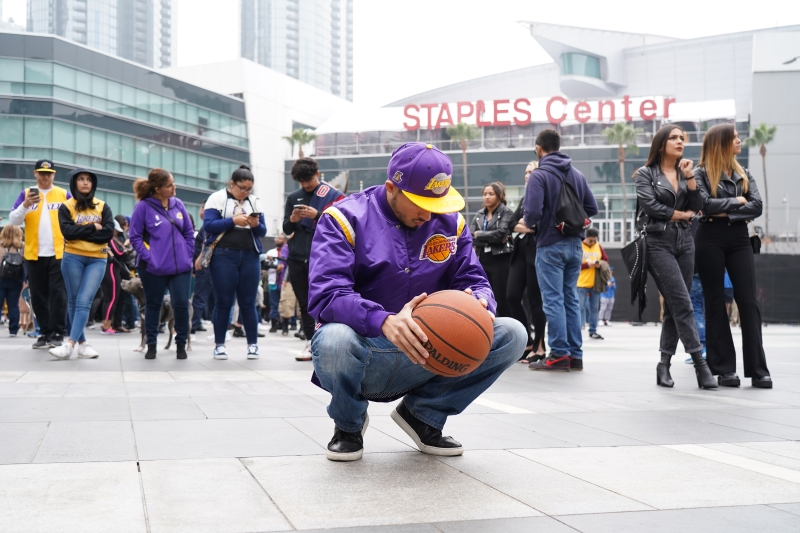Photos: How Los Angeles is Remembering Lakers Star Kobe Bryant