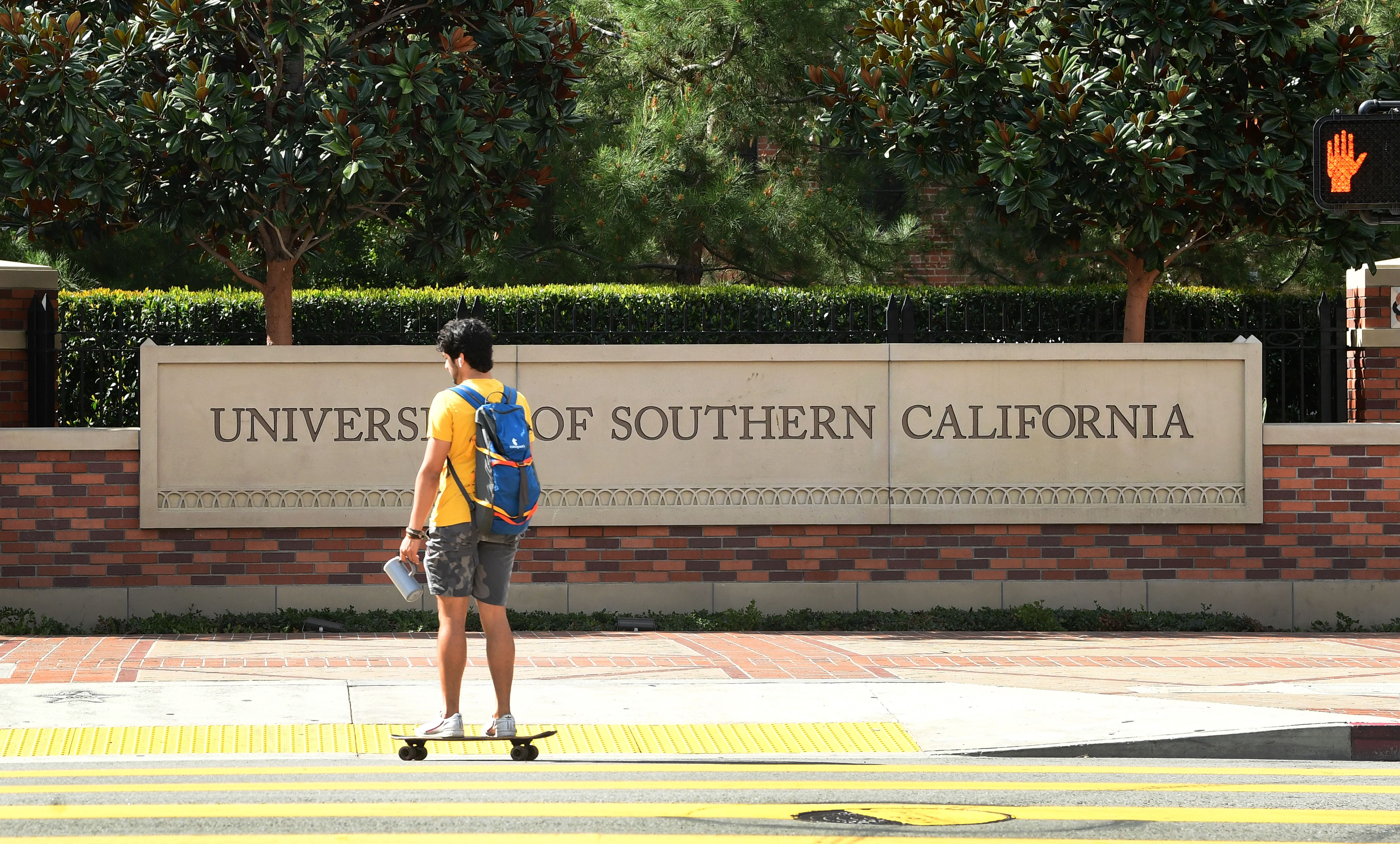 Several Dozen Virus Cases Occurred on USC's Fraternity Row
