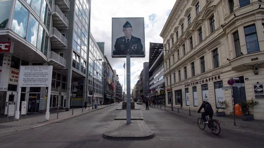 The oversized photo of US soldier Jeffrey Harper