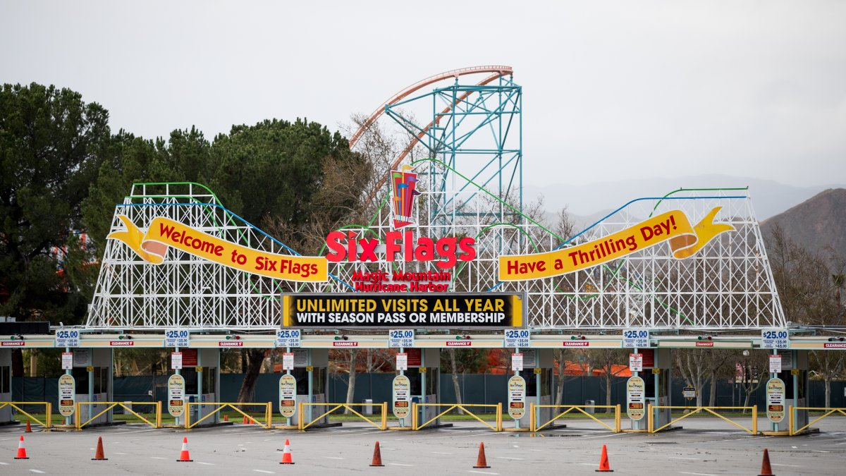 Six Flags Magic Mountain Reopens Nbc Los Angeles