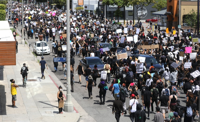 Images: George Floyd Protests Spill Onto LA Streets