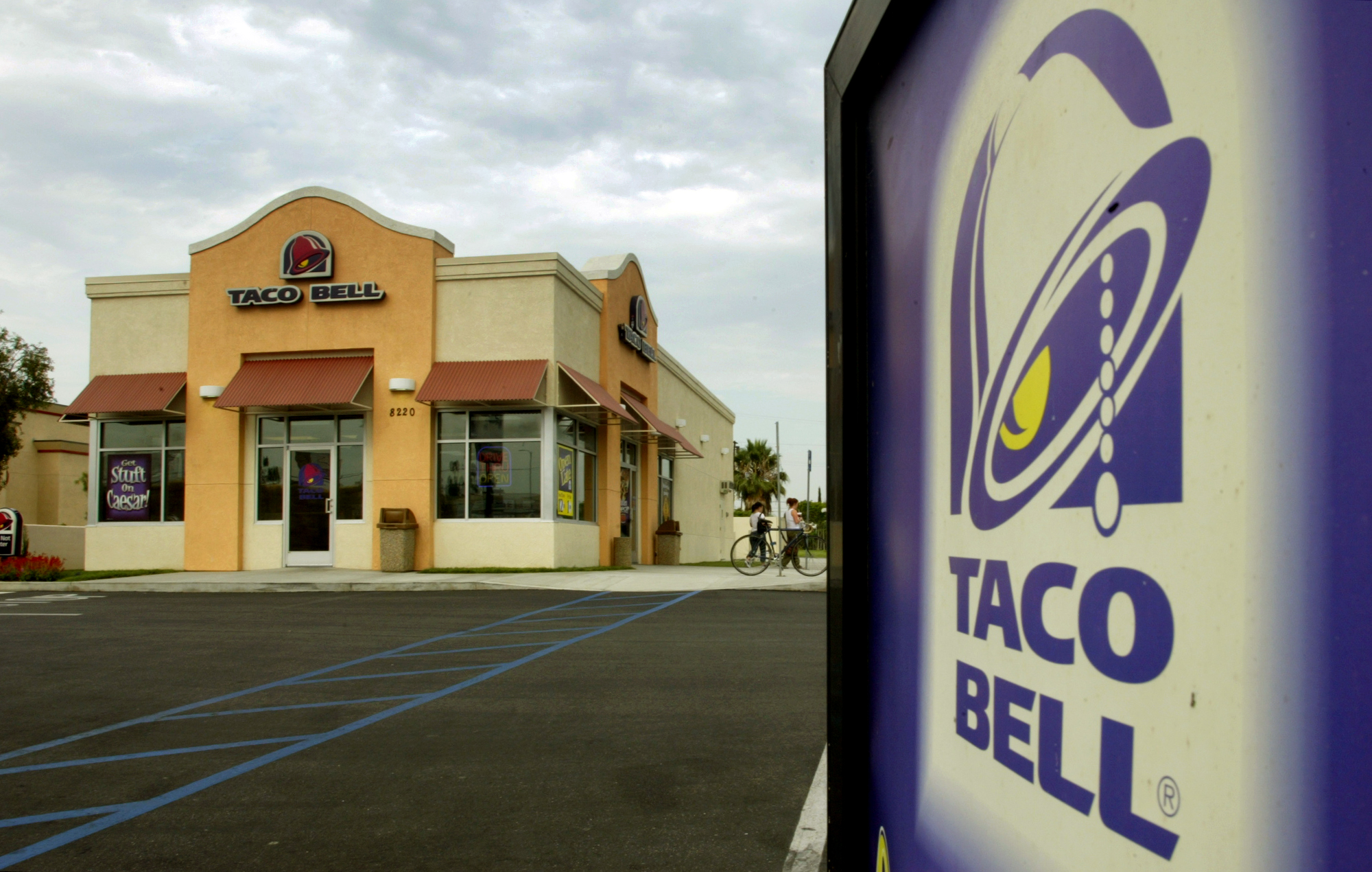 Taco Bell Plans to Hire 30,000 People This Summer