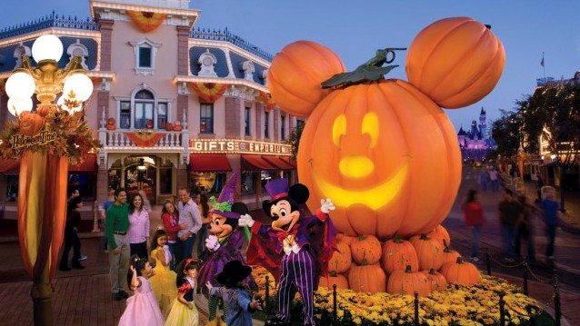 HalloweenMHP_with_Mickey__Minnie-640x460