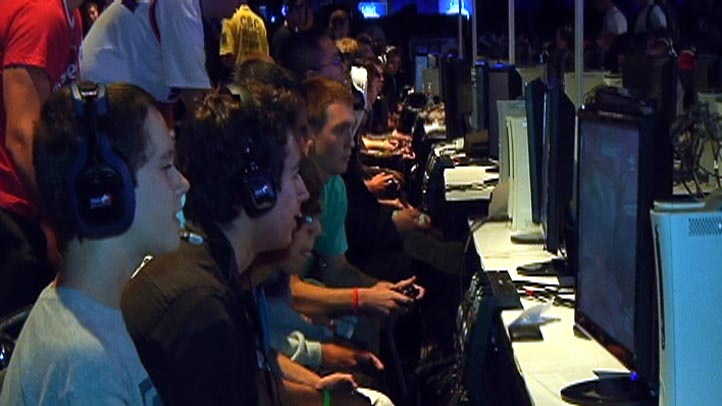 Humans Orcs Soldiers Unite for Competitive Weekend