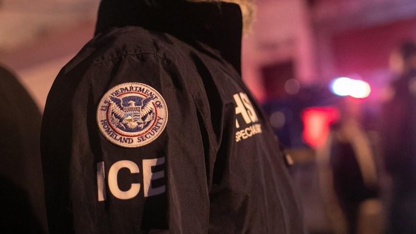 ICE Agent LA Jails-1152488290