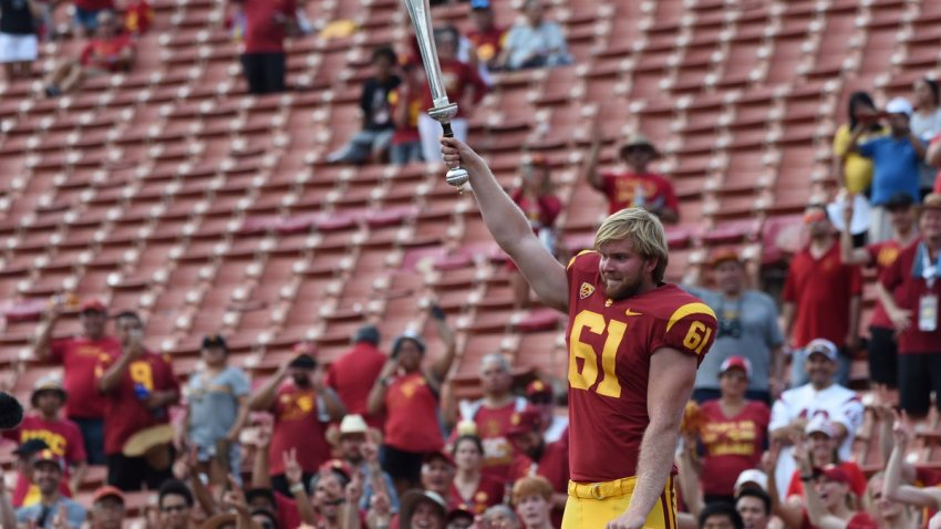 Usc Trojans Blind Long Snapper Silences The Doubters And