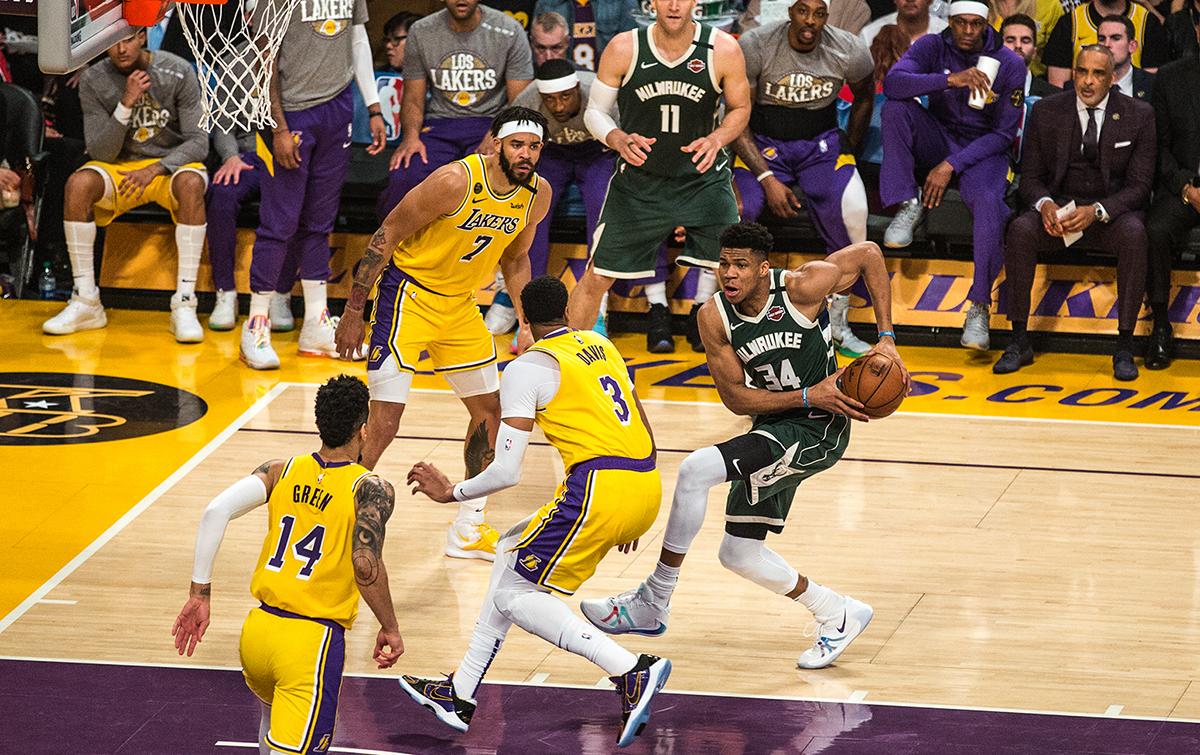 LeBron, Lakers Beat Giannis, Bucks in Matchup of NBA's ...