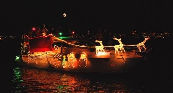 MarinadelReyChristmasboat1
