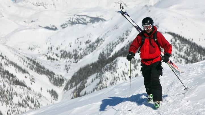 Skier_105679083