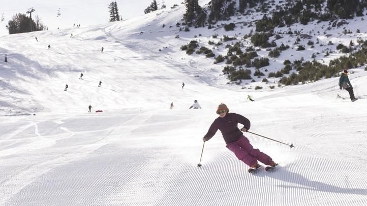 Skier_OpeningMammoth
