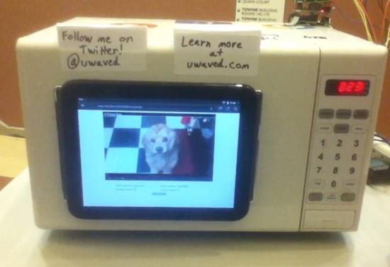 Tweeting Youtube Microwave-thumb-550xauto-77429