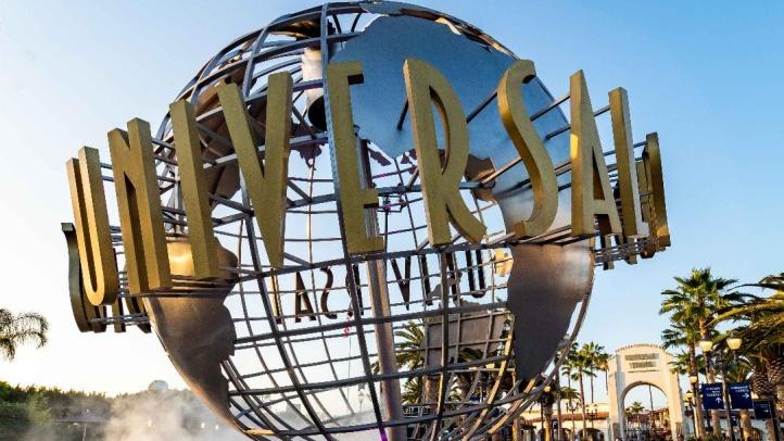 Universal Studios Hollywood globe entrance 201912