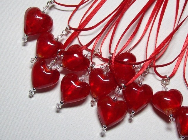ValentinesRedGlassNecklace_Lorilee35