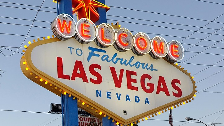VegasSign_81125110