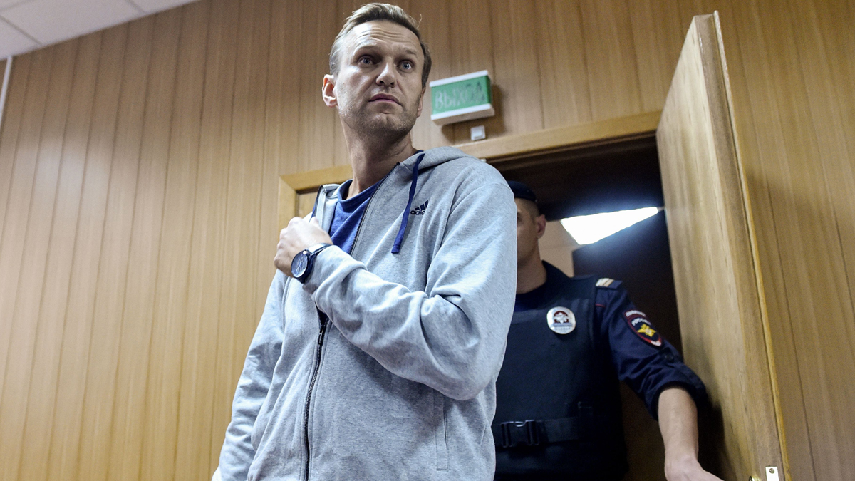 Kremlin Brushes Off Allegations Over Navalny's Poisoning 1