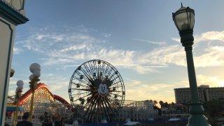 californiaadventure-disneyland-lagenerics-hnavarro