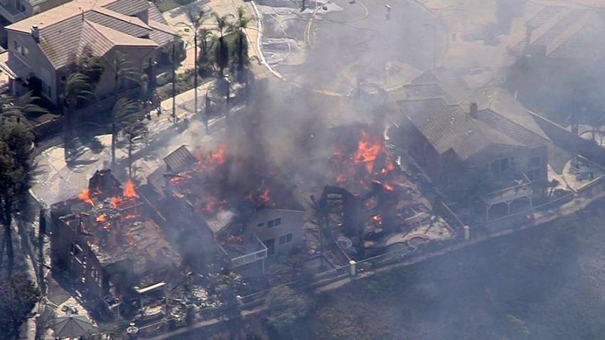 canyon-fire-2-damaged-homes