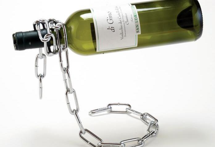chain_wine_holder