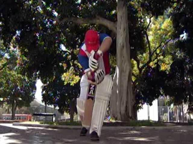 cricket_compton