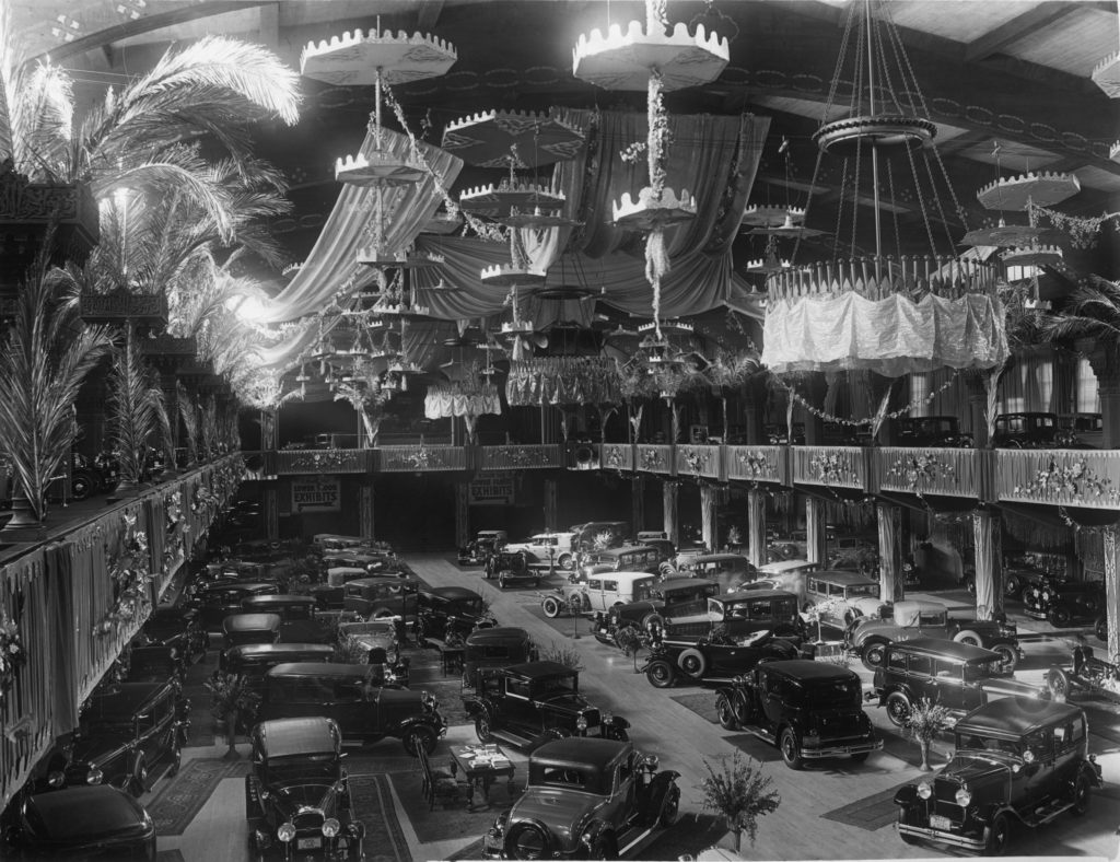Wayback Machines: Photos From the Early Days of the LA Auto Show ...
