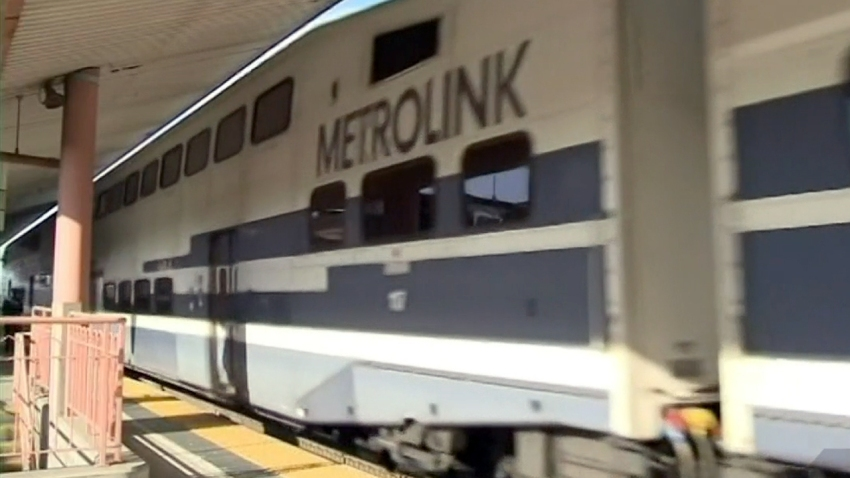 lafile-metrolink-train