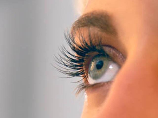 lashes close up LuxLash