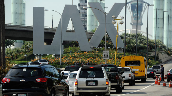 lax airport entrance[genericsla]