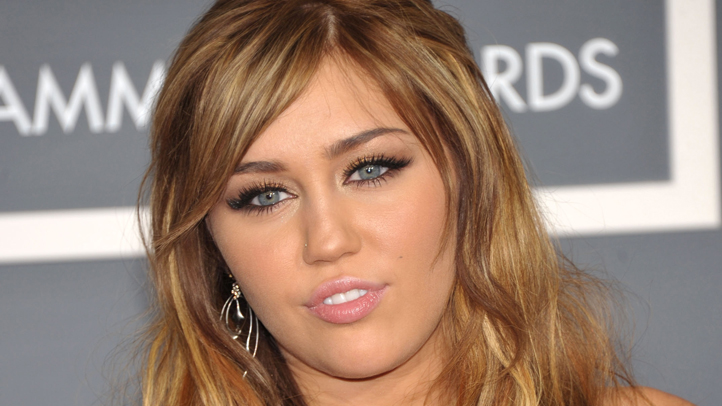 miley-cyrus-wire-image-grammys