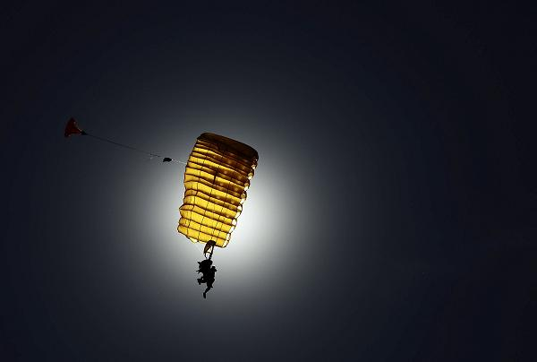 skydiving sex stunt over california in Weipa