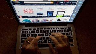 APTOPIX TEC-Holiday Shopping-Online Rush